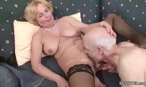 Oma und Opa ficken das erste mal im Porno fuer die Rente xVideos