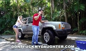 DON'T FUCK MY DAUGHTER - Naughty Sierra Nicole Fucks The Carwash Man xVideos