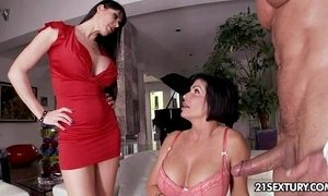 Hot Threesome xVideos