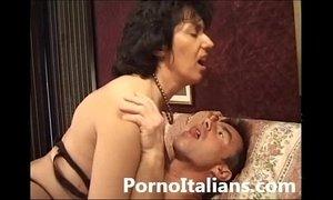 Italian mature sexy video porn - Matura italiana asseta di cazzo xVideos