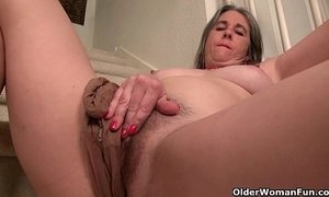Naughty granny Bossy Rider loves fingering her asshole xVideos