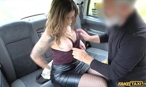 Smart looking elegant woman fucked in the ass in a taxi xVideos