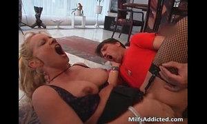 Blonde slut fucks some guy on the floor xVideos