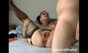 Humongous dildo fuck and fisting whore xVideos