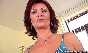Granny Wanda with her hard nipples and hirsute pussy masturbates xVideos