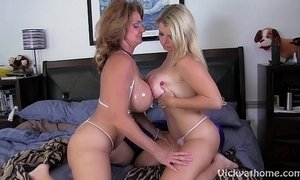 Big titty milfs vicky vette and deauxmalive get off live  xVideos