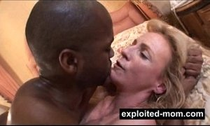 Big tits milf making porn video for the 1st time - Interracial Amateur Video xVideos