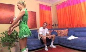 Hot cheerleader fucks a huge cock xVideos
