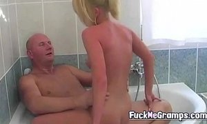 Grandpa fucks blonde hottie in bath xVideos