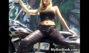 Take a look at the lovely biker babe Veronica Cain xVideos