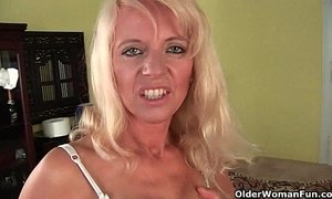Sultry senior mom probes her old pussy with a large dildo xVideos