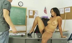 Latin teacher Anita Peida does a lucky student xVideos