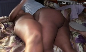 Bare Ass Ebony Chic Fighters xVideos