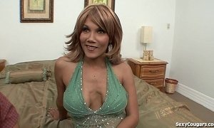 Horny MILF Hunts For Hookups Online!