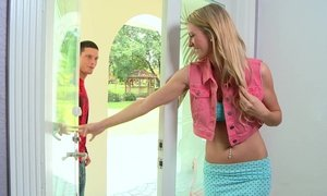 Tall and slender blonde teen Amanda Tate Beeg