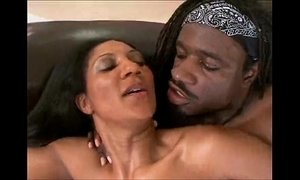 Ebony house wife lil spicy gets black cock xVideos