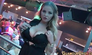 Stylish fucksluts blow at orgy