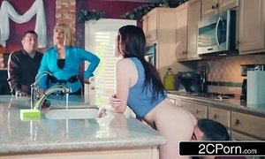 Horny Brat Karlie Brookes Gets Closer To Her Soon-To-Be Stepbrother Jordi xVideos