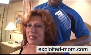 Sexy mature taking big cock in her xVideos